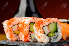 Kifordított Sushi Tekercs (uramaki)